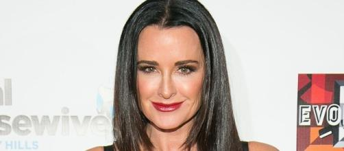 Kyle Richards Reunites With Sister Kathy Hilton After Family Feud ... - usmagazine.com