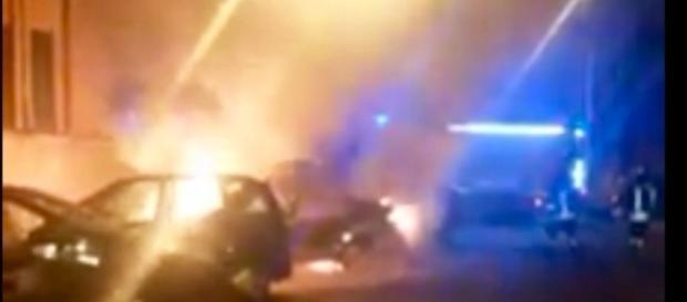 Frame del filmato caricato su Facebook dell'incendio di Val Melaina