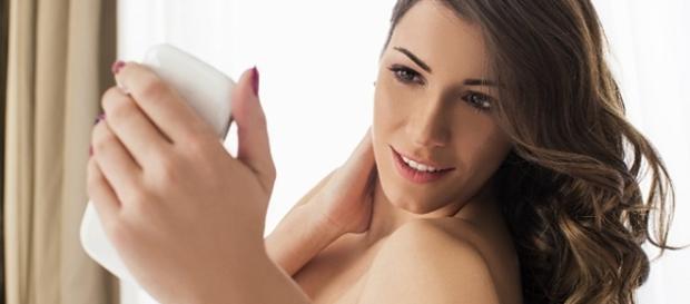 Saiba como se define a personalidade de quem envia nudes