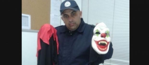 Um garoto de apenas 16 anos se fantasiava de palhaço malvado para assustar as pessoas