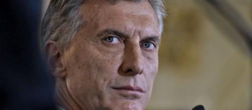 Macri da primer paso a la privatizaciòn; suma más ajuste y despidos