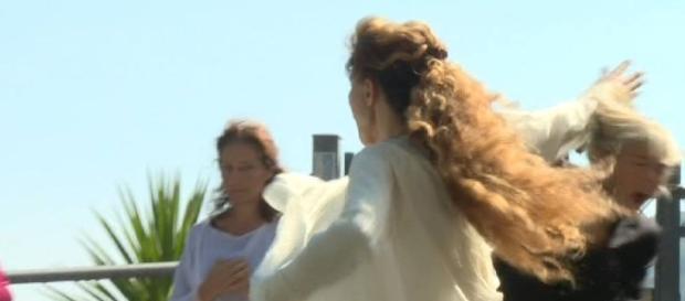 Brigliadori picchia inviata de 'Le iene': in tv le immagini shock.