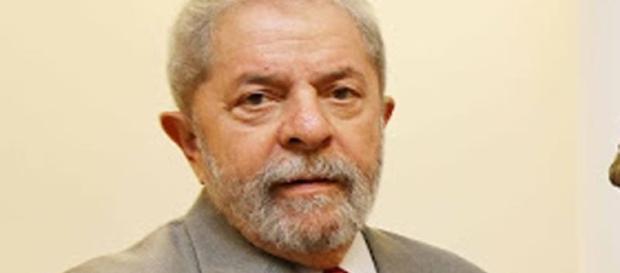 Ex-presidente Lula é investigado por antena da Oi, próxima ao sítio de Atibaia-SP