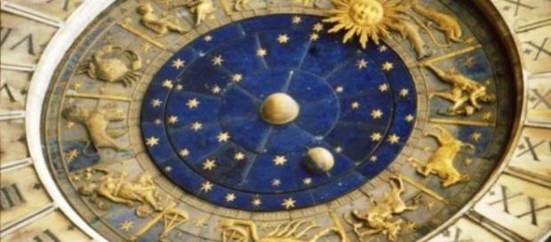 Horóscopo diario ¡Gratis! lunes 3 de Octubre predicciones para todos los signos