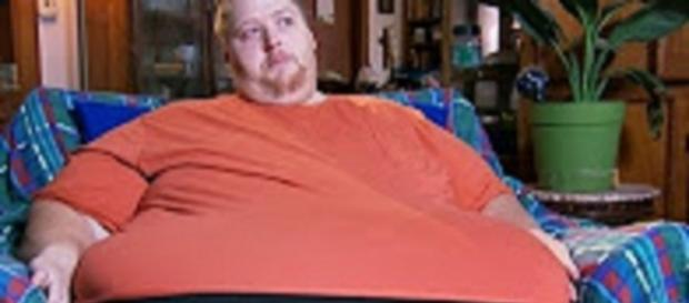 """YouTube still Happy_World channel """"James 600lb Life :Shocking ultimatum to My 600lb Life ...Will bring tears to your eyes.."""