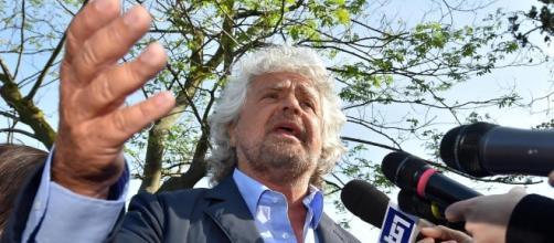 Beppe Grillo pensa al referendum