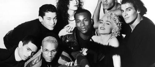 """Madonna y su elenco de bailarines en la promoción de su documental Truth or dare"""""""