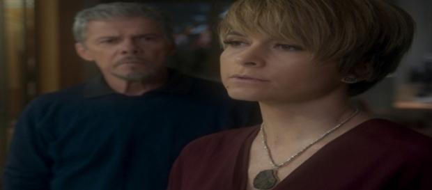 Briga entre o casal Helô e Tião, na novela das 9 da Rede Globo