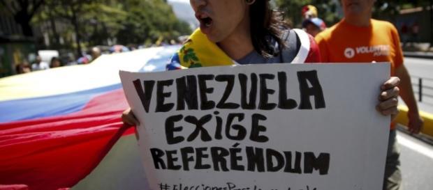 Cómo se activa el Referéndum Revocatorio?, por Max Suárez - elvenezolanonews.com