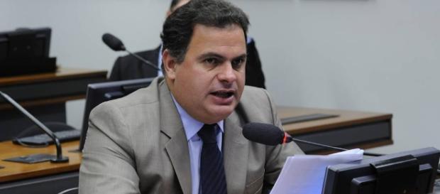 Deputado federal, João Carlos Bacelar (PR-BA) disse que mulher de Cunha não merece ser presa.
