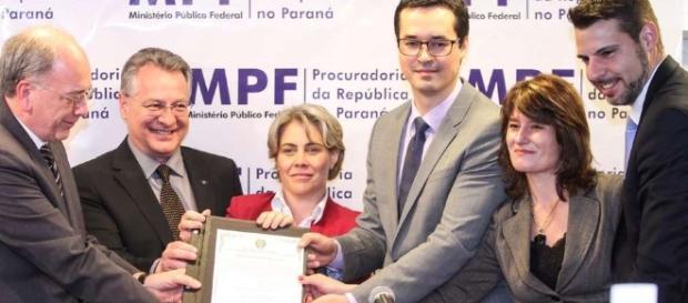O Ministerio Público Federal revolvou, nesta sexta-feira R$ 204,2 mi à Petrobras.