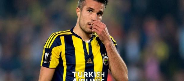 Robin van Persie offered to Crystal Palace and West Ham after ... - thesun.co.uk