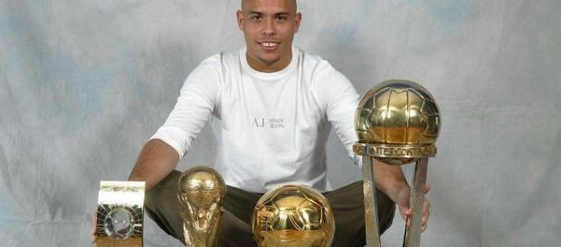 Ronaldo ganó el Trofeo Bravo en 1997 y 1998.