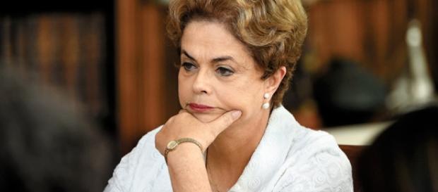 Teori nega liminar para anular votação do processo que tirou Dilma.