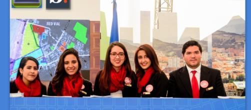 Delegación de Europa al Simposio Mundial Habitat III de la ONU, son los guías del stand que proporcionaron información en varios idiomas