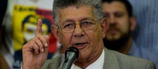 """La oposición clama que llegó la hora de restituir el """"hilo ... - publinews.gt"""