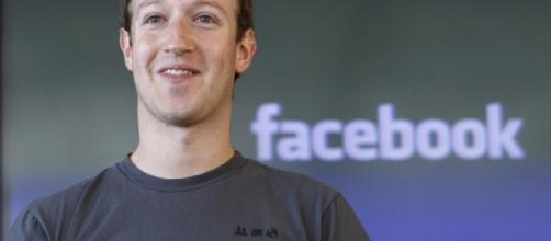 Mark Zuckerberg papà fiero della propria figlia che inizia a parlare