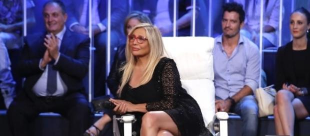 Mara Venier a «Striscia» e «Tú sí que vales», l'intervista   TV ... - sorrisi.com