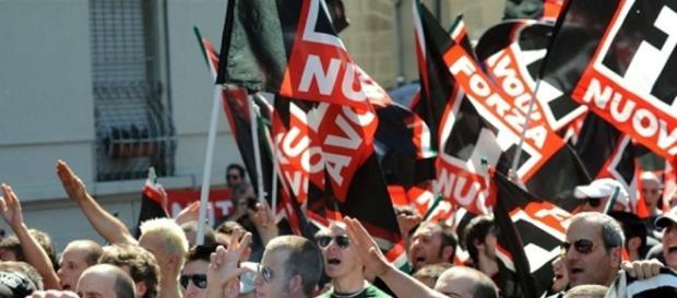 Torino. I migranti protestano contro la coop, Forza Nuova protesta ... - infoaut.org
