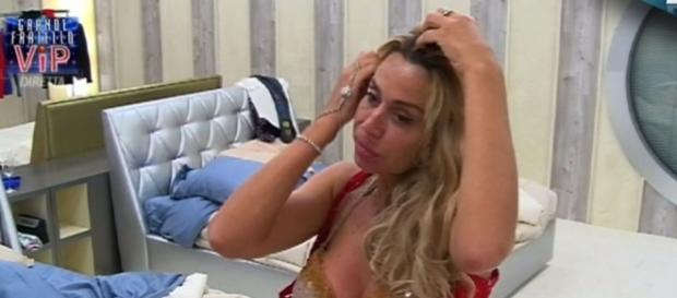 Valeria Marini infuriata con Elenoire Casalegno