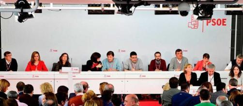 Miembros de la dirección del partido ayer en Ferraz