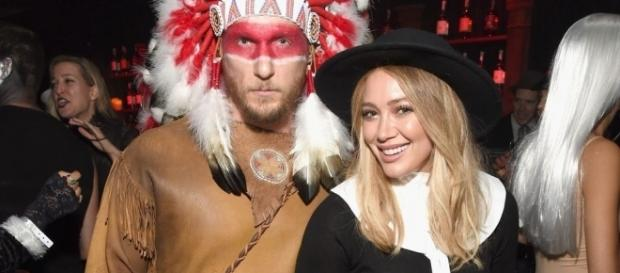 Hilary Duff et Jason Walsh en costume pour Halloween