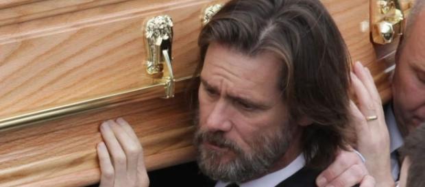 Jim Carrey carregou o caixão de sua ex-namorada