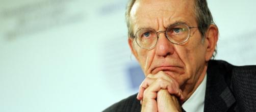 Padoan affronta il caso emergenze tuonando contro l'Ue