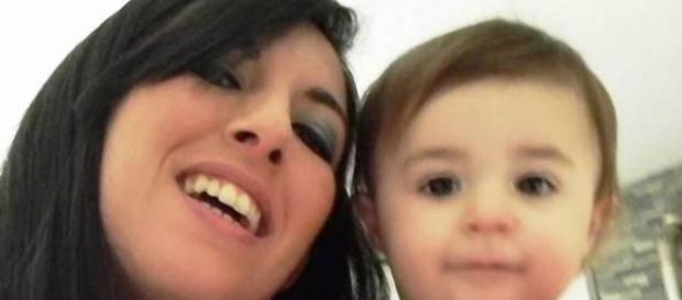 La piccola Sofia con la mamma Valentina.