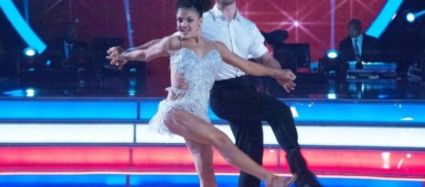 Laurie Hernandez's cha-cha shows why she's a 'Dancing With the ... - foxsports.com
