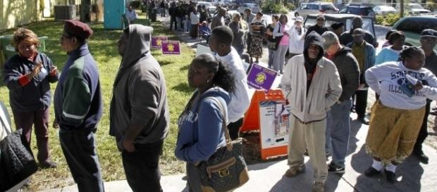 Long early voting lines during a year where conservative laws claim rampant voter fraud / Photo by unknown, Blasting News library