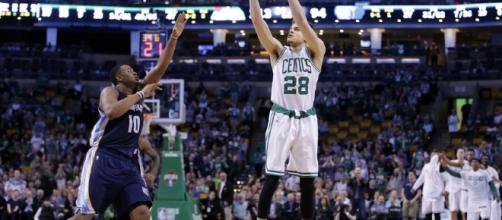 Boston Celtics: Is R.J Hunter a Good Shooter? - hardwoodhoudini.com