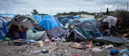 La 'jungle' di Calais pronta allo smantellamento.