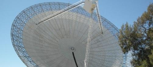 Radiobservatório Parkes, localizado no sul da Austrália. (Crédito da foto: Binarysequence)
