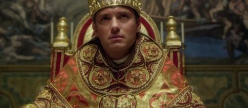 The Young Pope, Sorrentino chiede di aver pazienza.