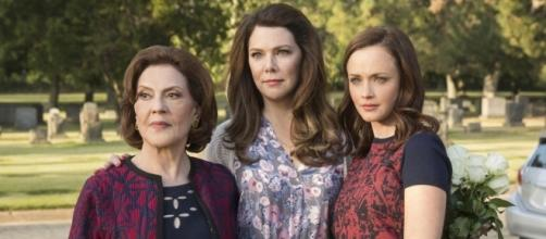 This Gilmore Girls Cemetery Photo Is the Saddest Pic from ... - eonline.com