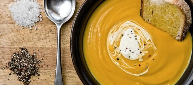 Crema vellutata di zucca   Ricetta UnaDonna - unadonna.it