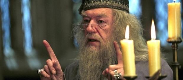 Dumbledore aparecerá em franquia 'Animais Fantásticos e Onde Habitam' em sua juventude