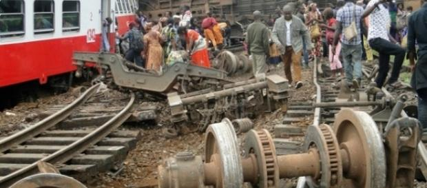 Eseka train derailemnt (photo: dailymail.co.uk))