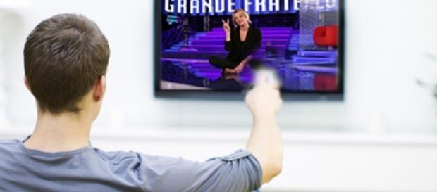 Guida Tv stasera 24/10/2016: L'allieva e GF VIP