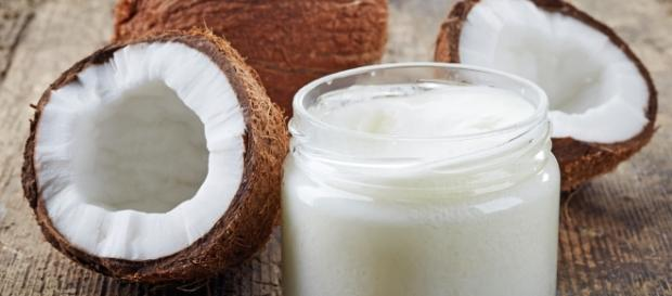 Olej kokosowy: właściwości i zastosowanie (DomPelenPomyslow.pl)