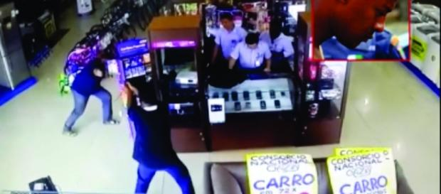 Troca de tiros entre assaltante e policial