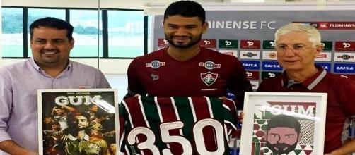 Homenagem a Gum marca reapresentação do Fluminense (Foto: Edgard Maciel de Sá / Globoesporte)