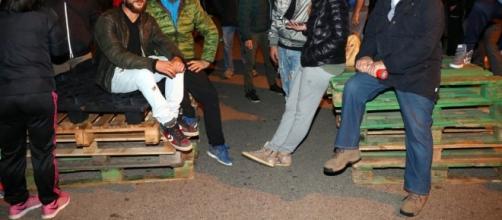 Le barricate antiprofughi: a Goro e Gorino vince l'ostilità
