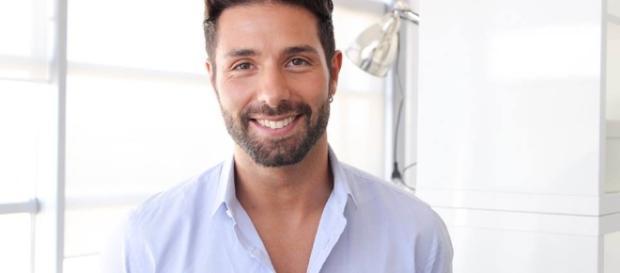 Segnalazione su Claudio D'Angelo: è ancora in contatto con l'ex fidanzata?