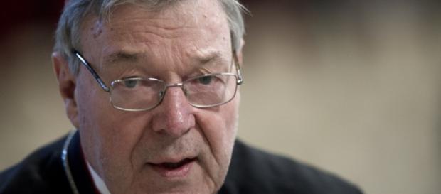 Denunciato da due uomini il cardinale nega le accuse