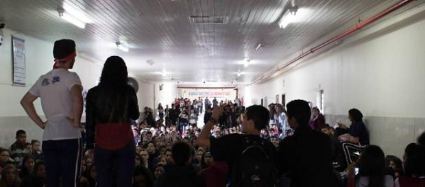 Várias escolas estão ocupadas no Brasil contra a PEC 241