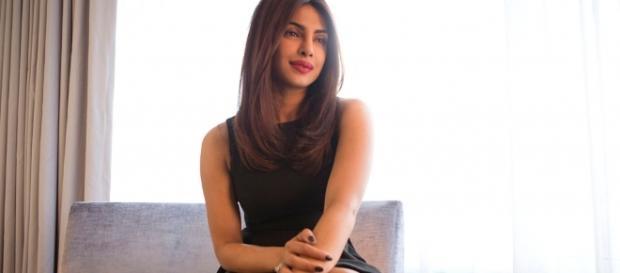 FP   Priyanka to present award at the Oscars - frontpage.lk