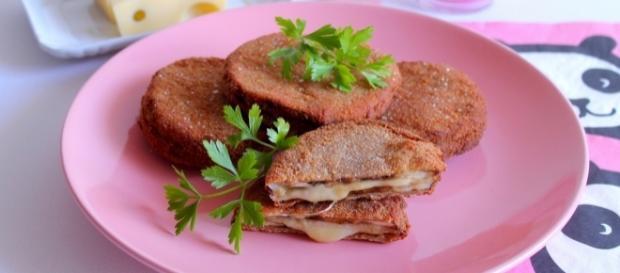 I sandwich di melanzane con prosciutto cotto ed emmenthal piacciono a tutte le età