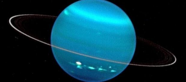 Medindo entre 4 e 14 km, as luas foram encontradas ao estudar os anéis de Urano. Imagem: University of Wisconsin-Madison/Keck Observatory